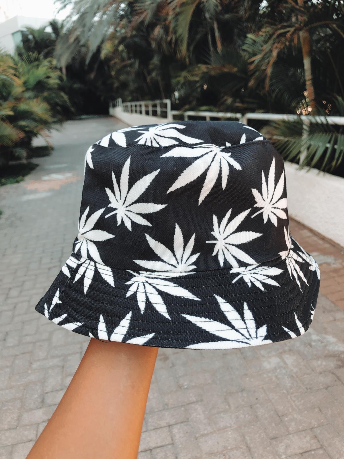 כובע טמבל | עלים